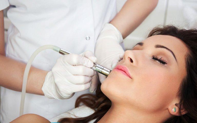Dermatologista Dra. Fernanda Trindade | MMP (Microinfusão de Medicamentos na Pele)